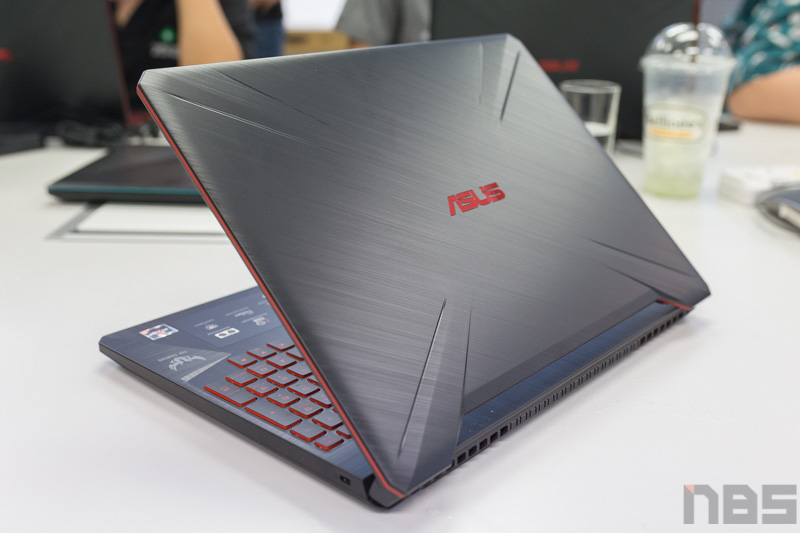 ASUS TUF FX505 DY AMD Gaming Notebook Preview 19
