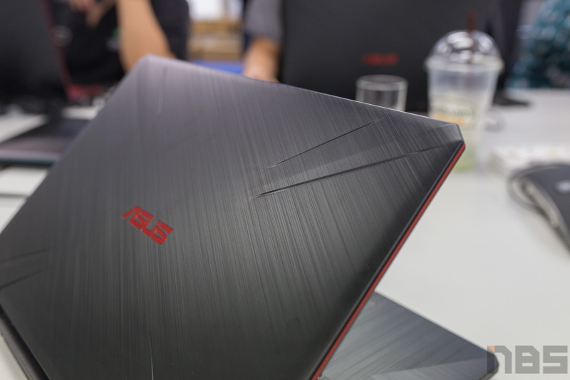 ASUS TUF FX505 DY AMD Gaming Notebook Preview 21
