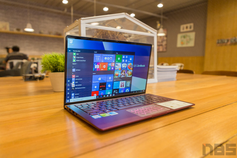 ASUS ZenBook UX333 Red Review 90