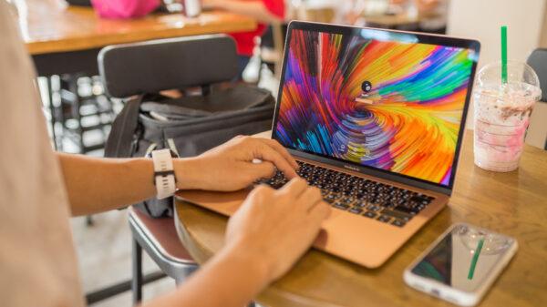 MacBook Air 2018 Top 1