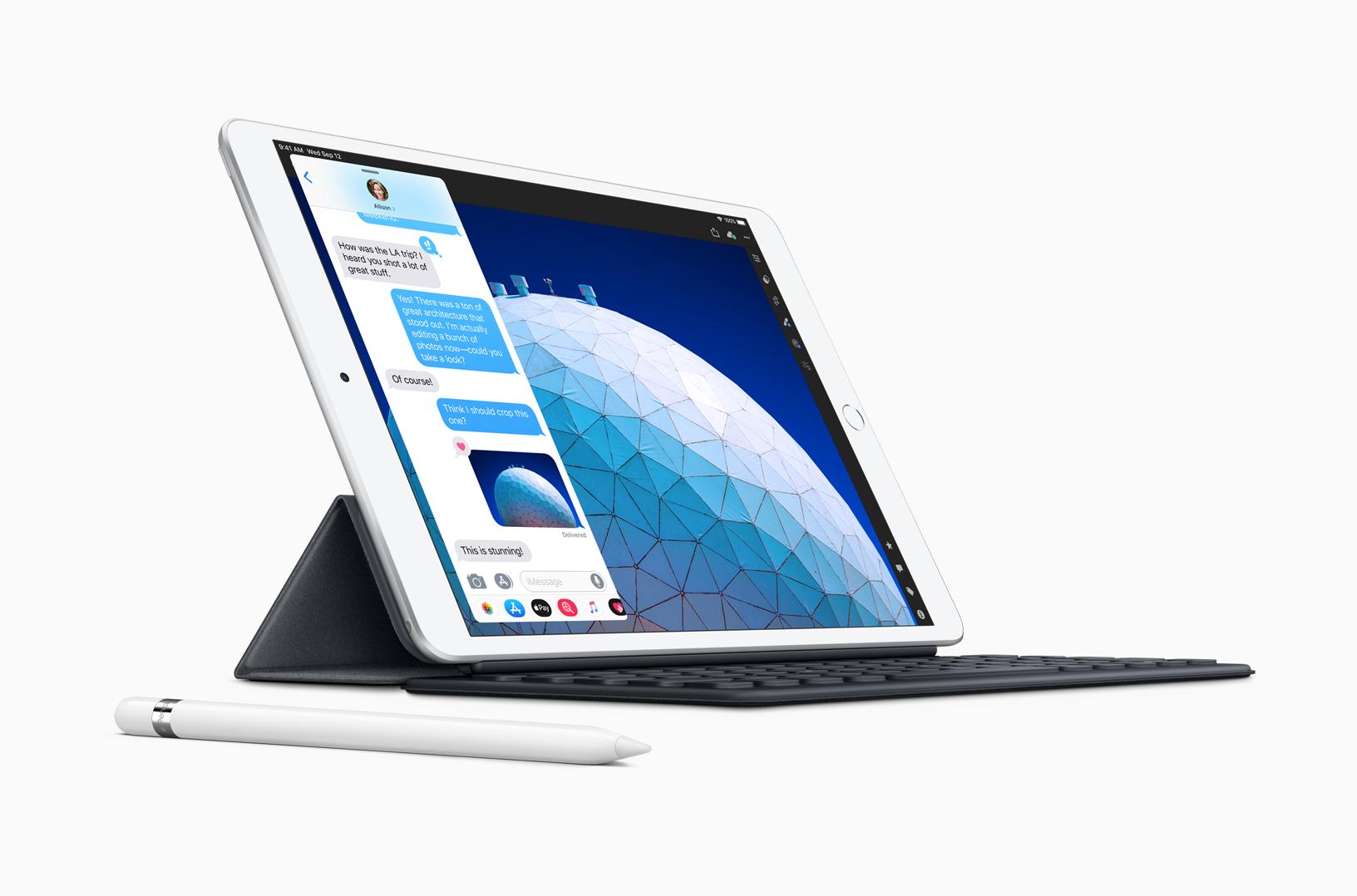 New iPad Air smart keyboard with apple pencil