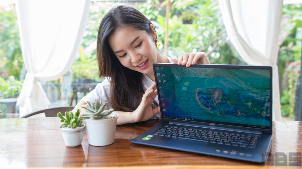 Acer Swift 5 SF515 2019 top 2