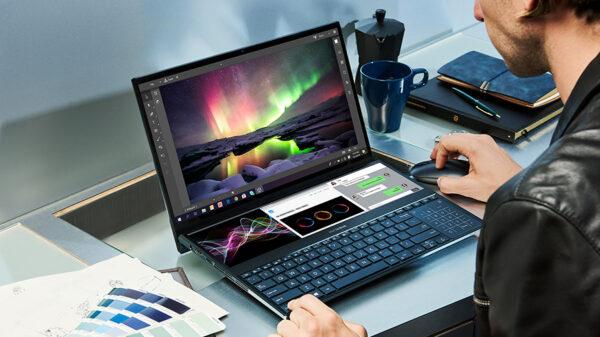 ZenBook Pro Duo UX581 Multitasking