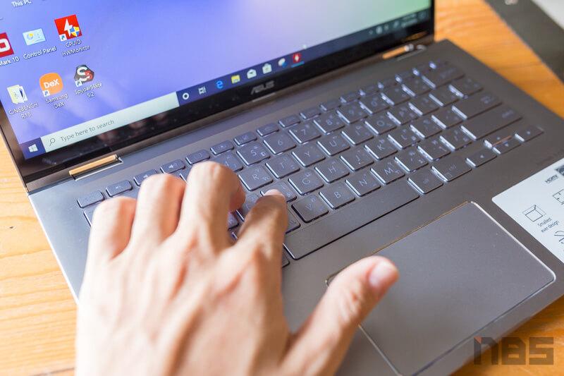 ASUS ZenBook Flip UM462D Review 24