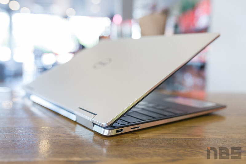Dell XPS 13 2 in 1 Core i Gen 10 Review 27