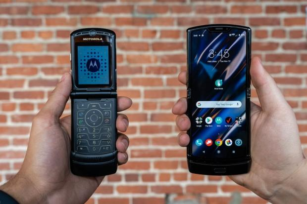 68744 04 motorolas new razr foldable smartphone costs 1500