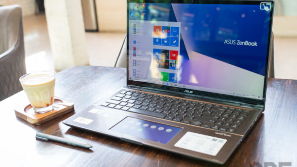 ASUS ZenBook Flip 15 2 in 1 Review 6