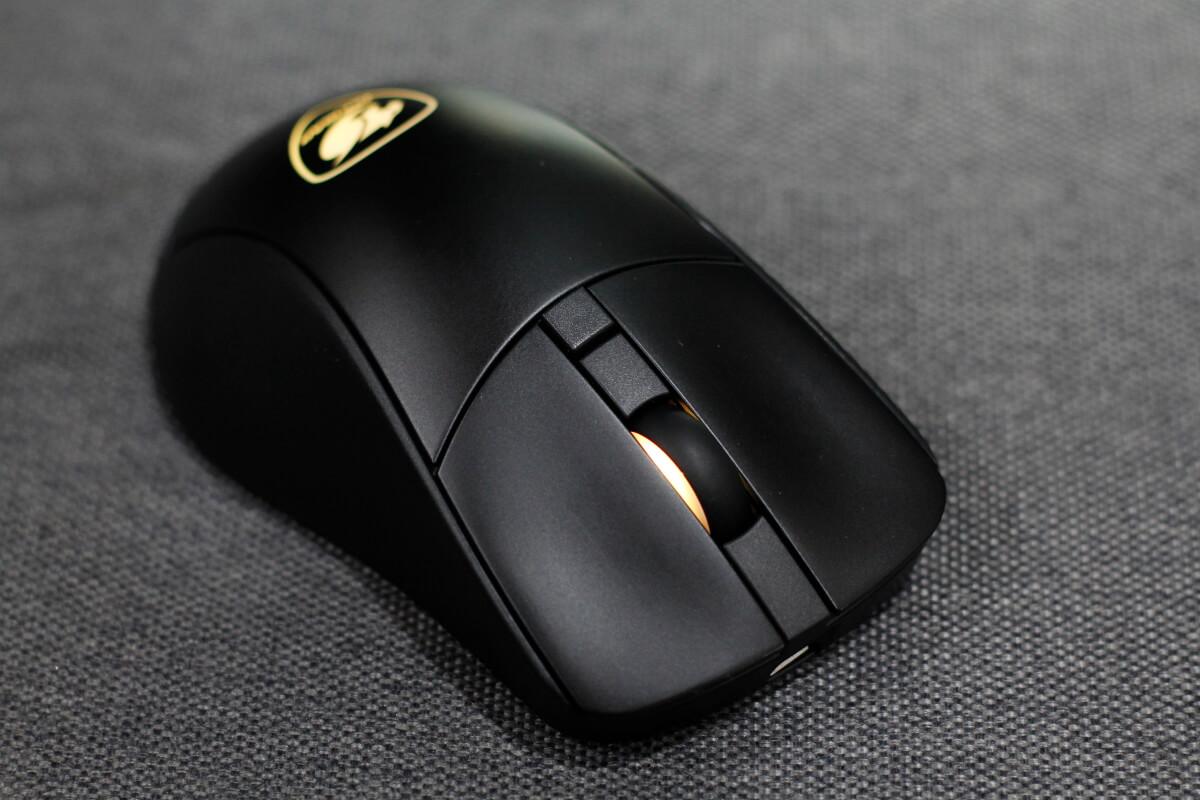 COUGAR SURPASSION RX mouse 1
