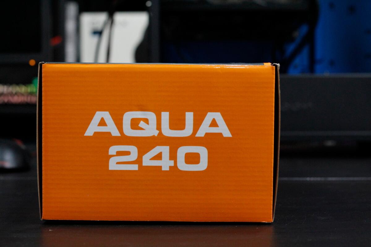 COUGAR AQUA 240 11