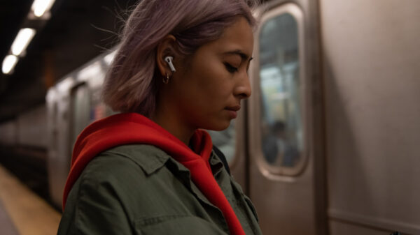 apple airpods pro lifestyle 102819