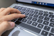 Dell Latitude 7400 2 in 1 Review 16