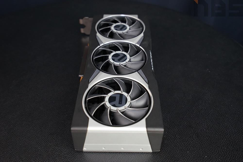 AMD Radeon RX6800 XT 045