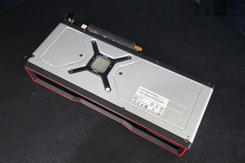 AMD Radeon RX6800 XT 051