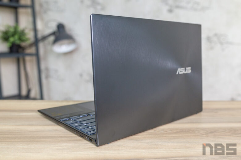 ASUS ZenBook 14 UX425 Core i Gen 11 Review 34