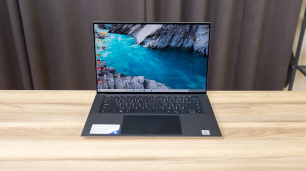 Dell XPS 15 9500 Top 1
