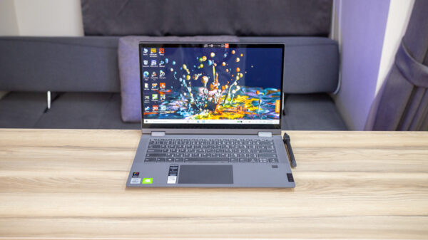 Lenovo ideaPad Flex 5 14 Top 1