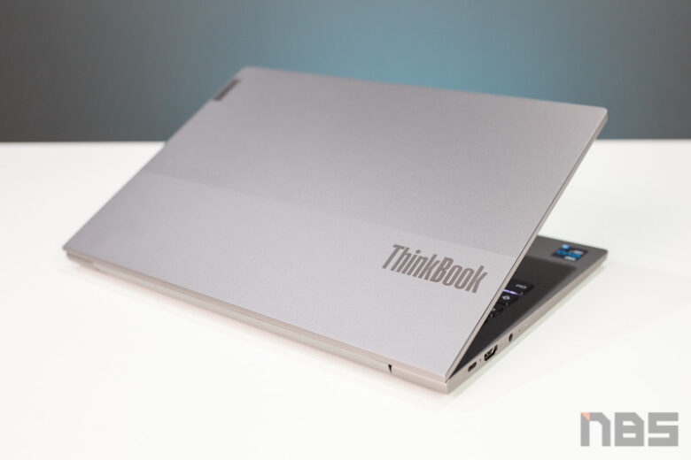 Lenovo ThinkPad 13s Core i Gen 11 Review 37
