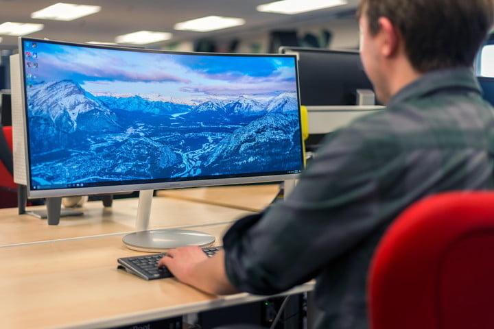 samsung cf791 monitor hero 720x720 1