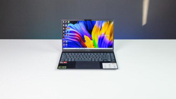 ASUS ZenBook 14 UM425U Top 1