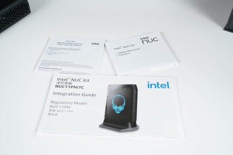 Intel NUC Phantom Canyon 009