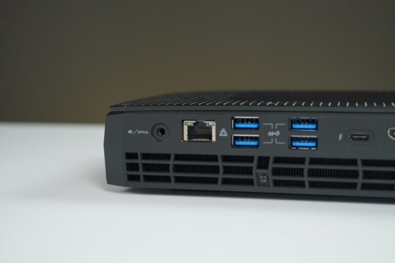 Intel NUC Phantom Canyon 61