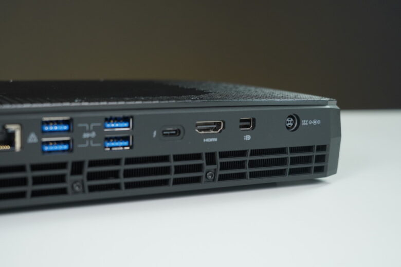 Intel NUC Phantom Canyon 62