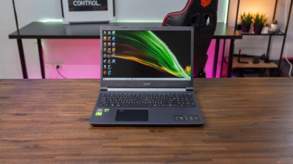 Acer Aspire 7 A715 R5500U GTX 1650 Top 1