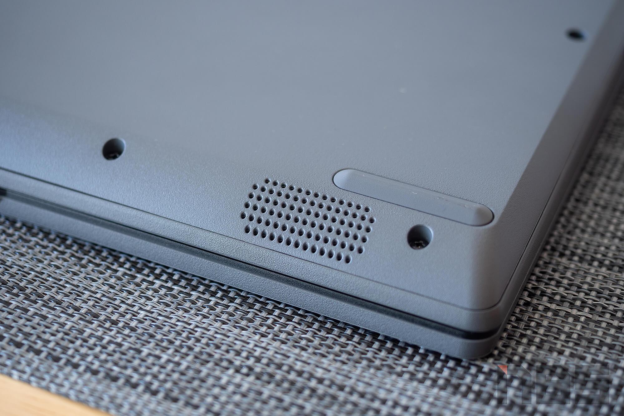 Review Lenovo IdeaPad Slim 3i pentium NotebookSPEC 05