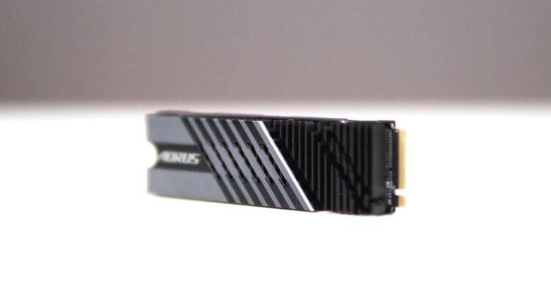 Gigabyte SSD P7000s 1TB 11