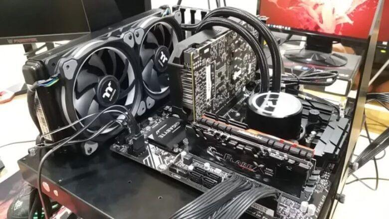3 PC Shutdown playing game